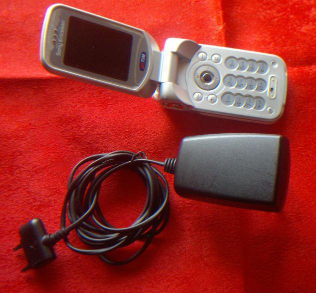 Telefonino Cellulare Sony Ericsson W300i alim
