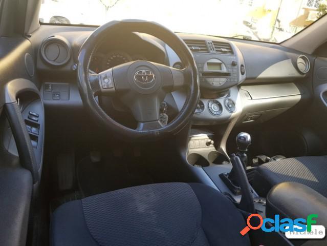 TOYOTA RAV4 diesel in vendita a Roma (Roma) 2