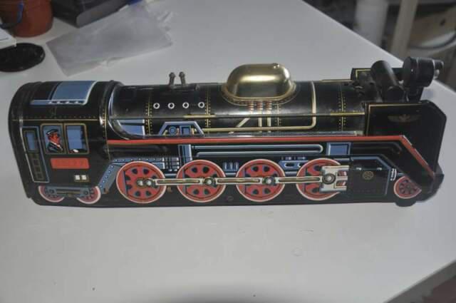 Locomotiva giocattolo treno di latta