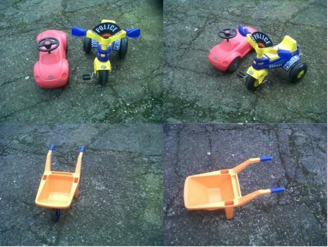 Una serie di giocattoli per bambini.
