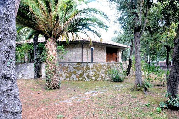 Villa con terrazzo a San Vincenzo