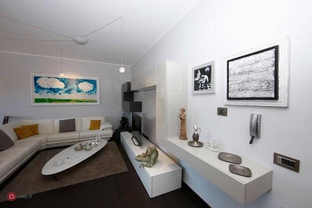 Appartamento di 120mq in CENTRALISSIMO ATTICO COMPLETAMENTE