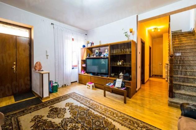 Casa indipendente di 120 m² con 4 locali in vendita a