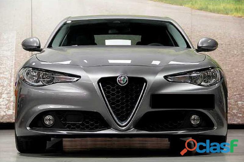 Alfa Romeo Giulia Super 2.2JTD 136 cv AT8