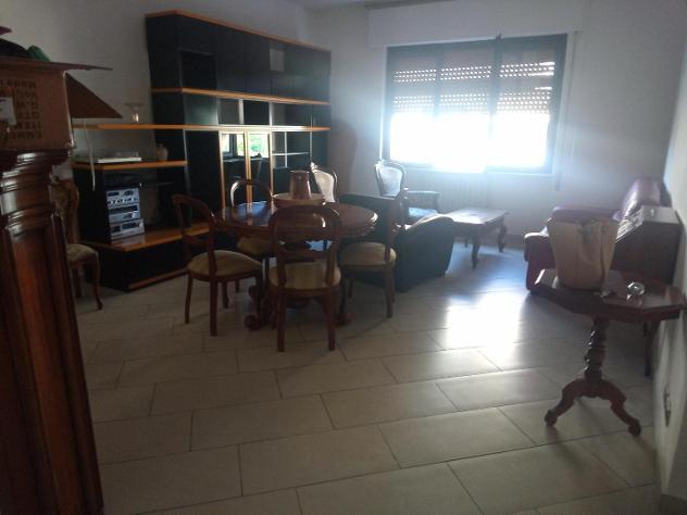 Appartamento in affitto a MARINA DI CARRARA - Carrara 105 mq