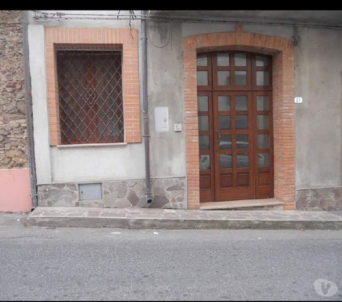 Locale zona centro storico (gioia tauro)(r.c.)