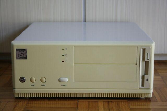 Pc desktop retro-vintage 486