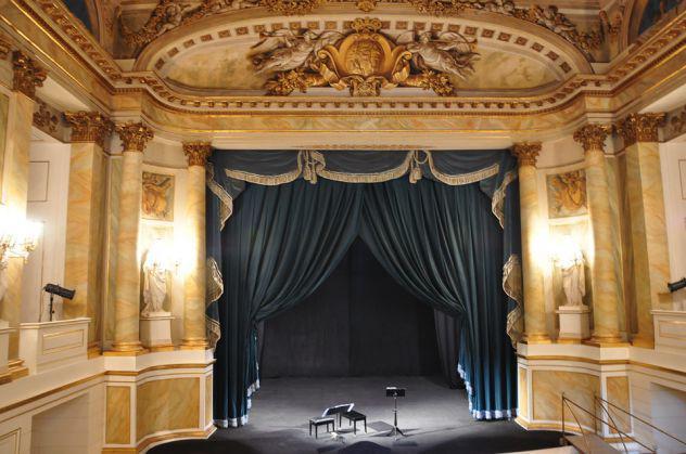 Cantante lirica (soprano) si offre a Monza