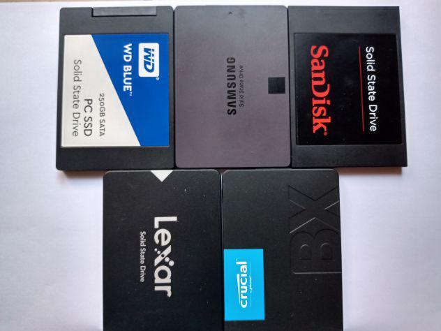 Vendo 5 SSD nuovi di vario formato
