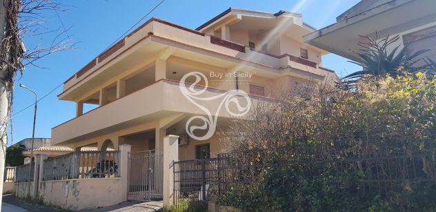 Appartamento in villa a pochi metri dal mare 097-19