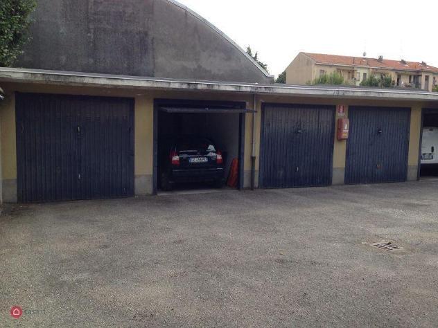 Garage/posto auto di 14mq in corso trieste 62 a novara