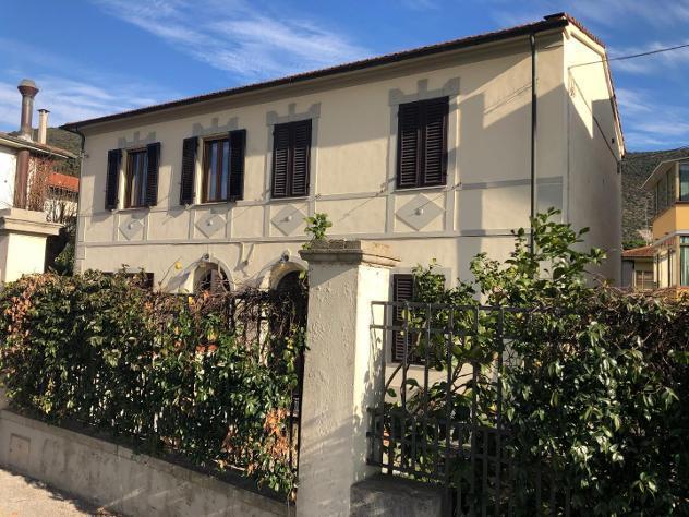Villetta bifamiliare in affitto a San Giuliano Terme 110 mq