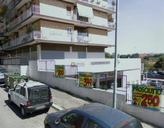 pomezia centro ampio monolocale di 40 mq. con balcone 3 p.