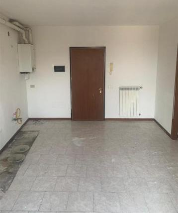 Appartamento con box a…