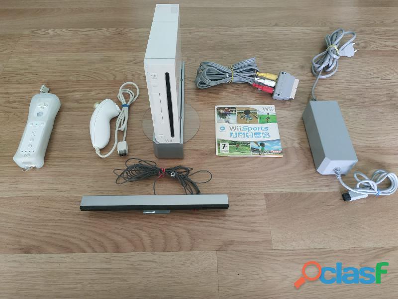 Nintendo Wii +1 Controller+1 Nunchuk+Wii Sports