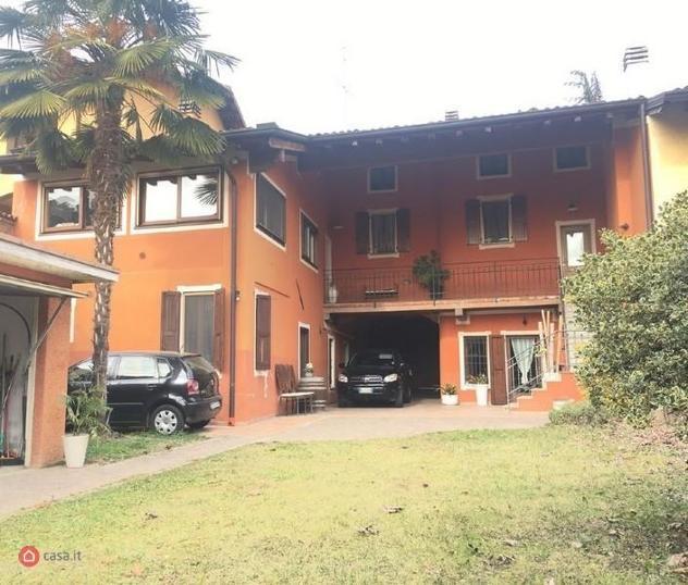 Villa di 410mq in Via Roma a Coccaglio