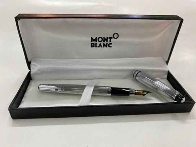 Penna montblanc stilo silver