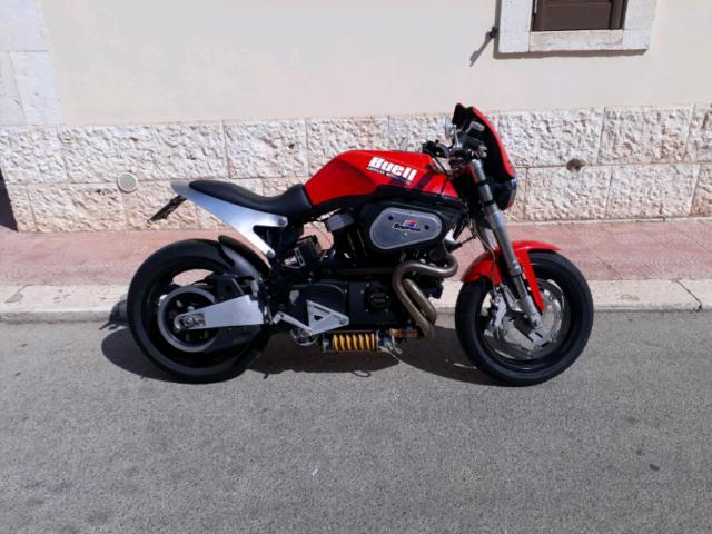 Moto buell x1 lightning del 2000