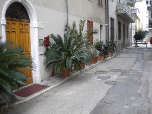 Privato in affitto appartamento centro di cupra m. mq55