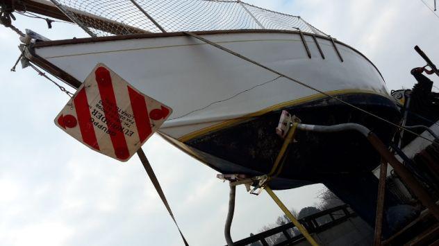Barca a vela da ristrutturare in legno 6.50