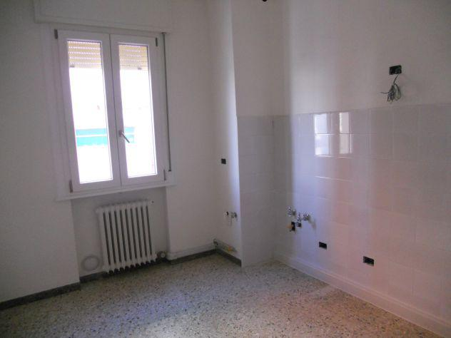 Rif. san biagio: ampio appartamento non arredato con garage