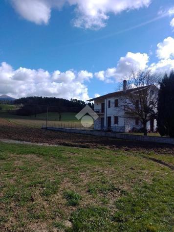 5 locali casa indipendente voc. aguzzo, stroncone