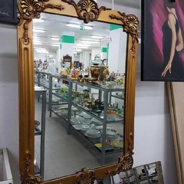 Specchio in legno cornice motivo in rilievo oro