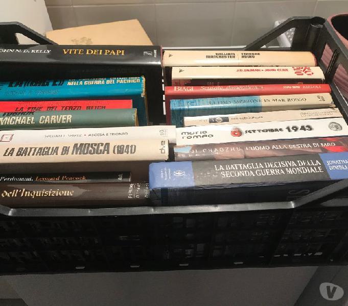 Vendesi libri sulla seconda guerra mondiale e romanzi