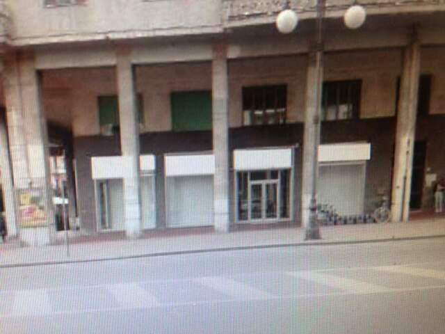Cuneo centro ampio locale commerciale affitto 350 mq negozio