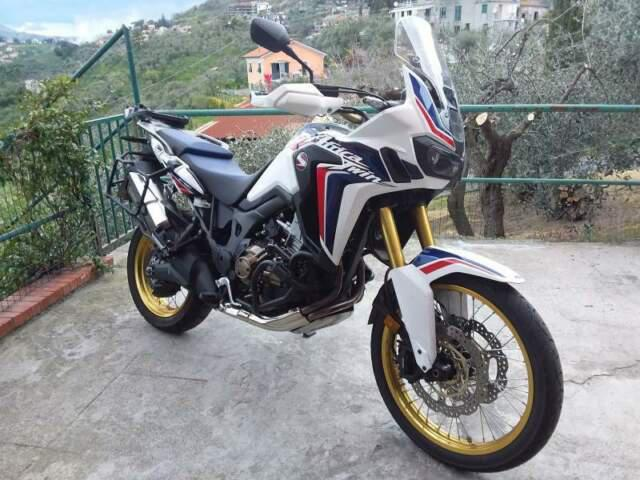 Honda crf 1000 dtc africa twin tricolor hrc