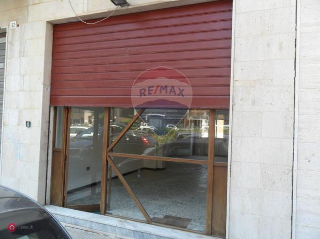 Locale commerciale di 50mq in piazza trento 31 a