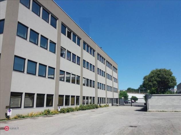 Ufficio di 220mq in via archimede a agrate brianza