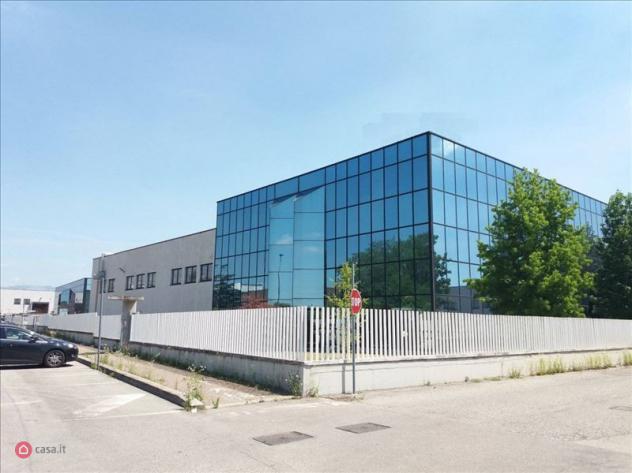 Ufficio di 450mq in via italia a busnago