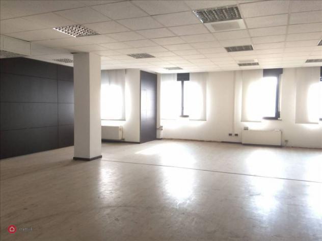 Ufficio di 530mq in via cesare cantù a cinisello balsamo
