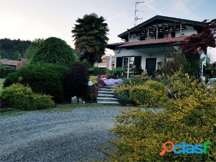 Villa singola con parco di 1800 mq