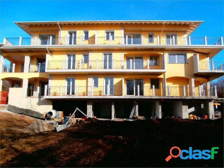 Appartamento nuovo soleggiato con terrazzo in clas