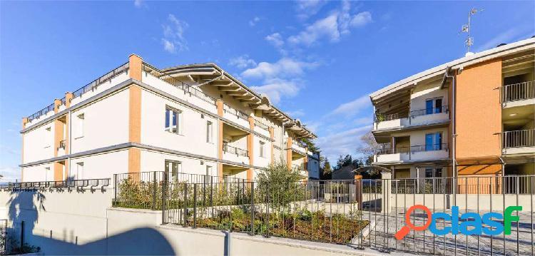 Appartamento con giardino privato mq.103 + box dop