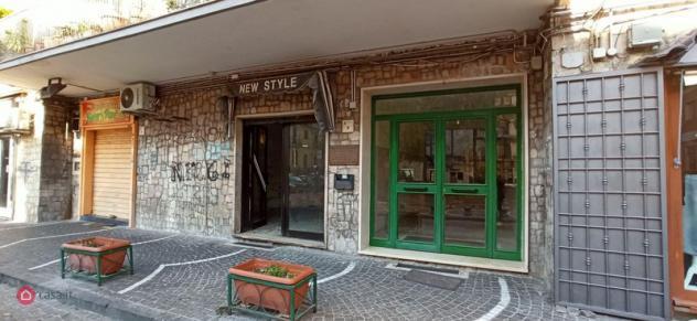 Locale commerciale di 30mq in piazza trieste e trento 9 a