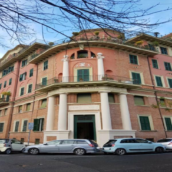 Policlinico castro pretorio ampio appartamento arredato