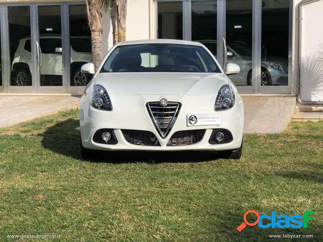 ALFA ROMEO Giulietta 1.6 JTDm-2 105 CV Distinctive 2