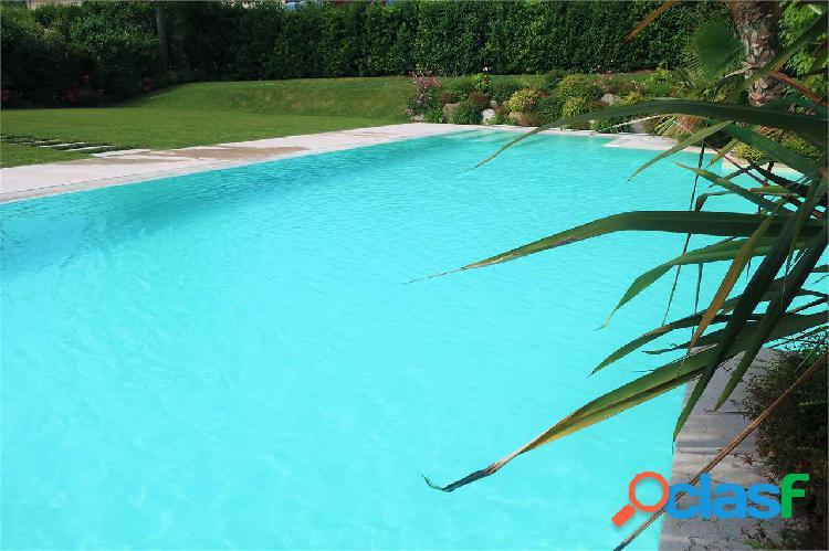 Nuovo trilocale con piscina, moniga del garda
