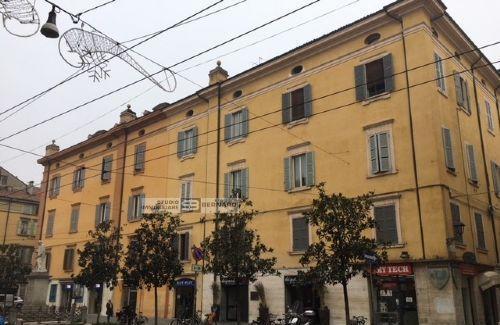 Ufficio 7 locali modena centro storico
