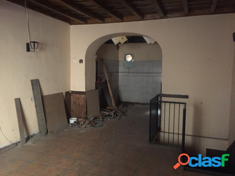 Centro storico - negozio con vetrina -