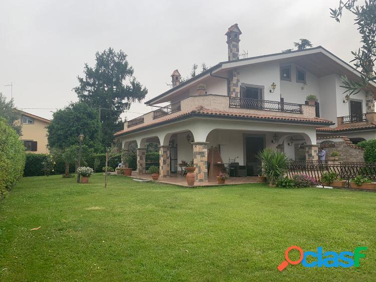 Grottaferrata - villa bifamiliare 270 mq
