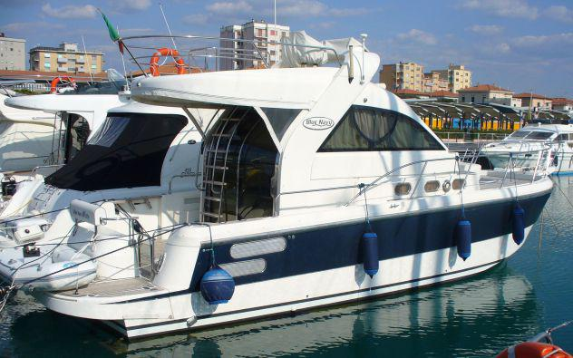 Yacht: gesco marine blu navy 400 fly