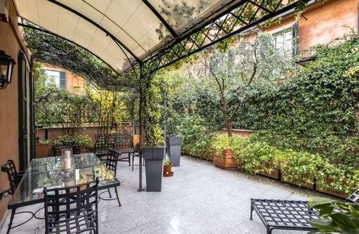 Attico, mansarda milano centro storico corso italia cucina: