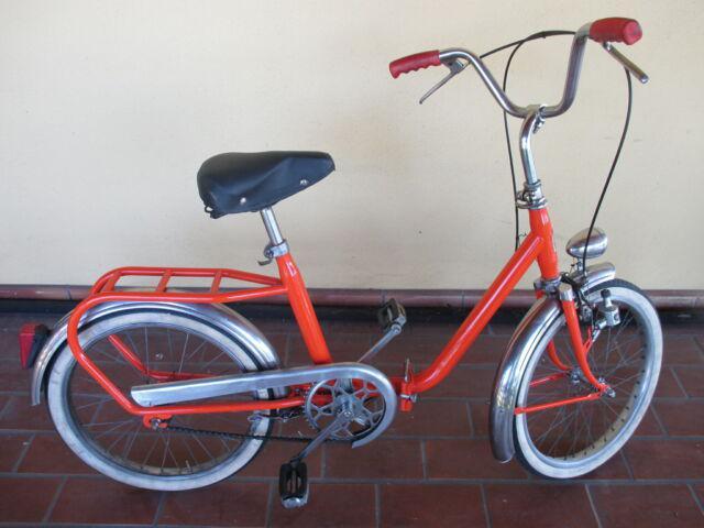 Bici tipo graziella una verde + una arancio ruote da 20