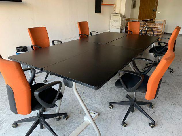 Tavolo da ufficio nero
