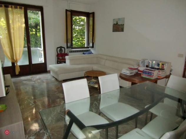 Appartamento di 110mq in piazza azzarita 5 a bologna