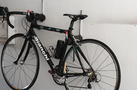 Bici corsa in fibra di carbonio